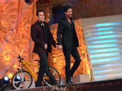 Shahrukh Khan Salman Khan Will Shoot Song