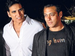 Salman Khan Convinced Akshay Kumar Cast Mouni Roy Gold
