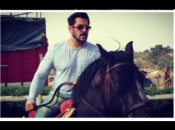 Tiger Salman Khan Horse Riding Sessions In Morocco