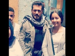 Salman Khan Poses With Fans During The Shoot Tiger Zinda Hai