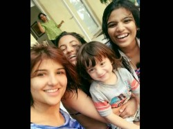 Abram Latest Pic With Suhana S Friends Is Too Cute