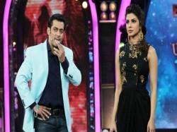 Priyanka Chopra Look Alike Enter Bigg Boss