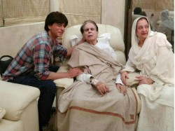 Shahrukh Khan Visits Dilip Kumar At His Residence
