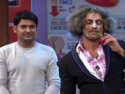 Elli Avram Still Hosting The Great Indian Laughter Challenge