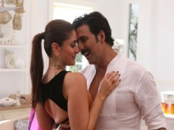 Akshay Kumar Kareena Kapoor Khan Dosti World Tv Premiere