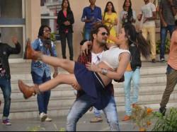 Bbhojpuri Movie Zila Champaran Got Huge Opening