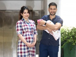 Soha Ali Khan Kunal Kemmu With Their Nwely Born Inaaya