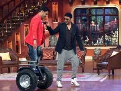 Kapil Sharma Pays Visit Akshay Kumar Tv Show