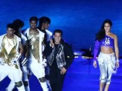 Salman Katrina Perform At Isl Opening Ceremony