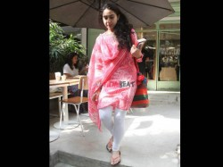 Sara Ali Khan Looks Beautiful In Traditional Avatar