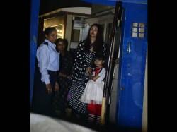 Aishwarya Shahrukh Khan Come Cheer Aaradhya Abram At Their School Annual Day