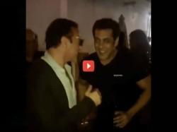 Birthday Boy Salman Khan Dancing On Baby Ko Base Pasand Hai See Video