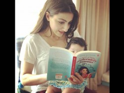 Soha Ali Khan Reads Her Book To Daughter Inaaya Naumi See Cute Pic