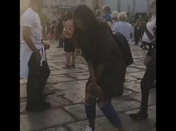 Anushka Sharma Dancing On Cape Town Street Is Going Vial