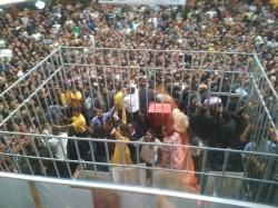 Bigg Boss 11 Live Voting Hina Khan Hurt Badly Video