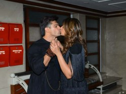 Bipasha Basu Birthday Celebration Pics Have A Look