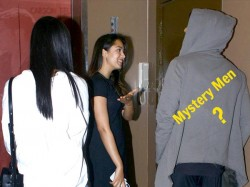 Shahid Kapoors Wife Mira Rajput Spotted With Mystery Man