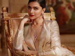 Deepika Padukone Beautiful Pics In Royal Avatar