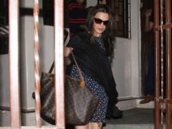 Is Preity Zinta Pregnant See Her Latest Pics