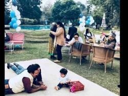 Taimur Unseen Pic With Saif Ali Khan And Kareena Kapoor From His Birthday