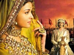 Hritik Roshan Aishwarya Rai Film Jodha Akbar Completed 10 Years