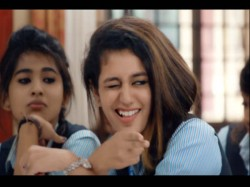 Priya Prakash Varrier Wink Vs Aishwarya Rai Shahrukh Khan And Other Bollywood Stars