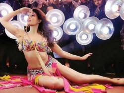 Madhuri Dixit Poular Dance Numbers Which Remix Should Not Be Made