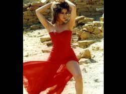 Urmila Matondkar Dance Number In Film Blackmail See Her Bold Pictures