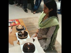 Jahnvi Kapoor Celebrates Her Birthday Orphanage As A Respect To Sridevi