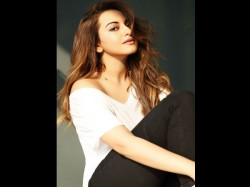 Sonakshi Flies From Malaysia Complete Her Brand Commitment In India