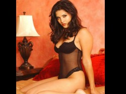 Sunny Leone Turns 37 Know Super Interesting Facts See Her Bold Pictures