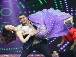 Elli Avram Dance Video Viral With Akshay Kumar