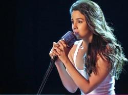 Ashwiny Tiwari S Next Remake French Film Alia Bhatt Play An Aspiring Singer