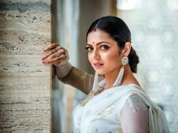 Madhubala Fame Drashti Dhami S Tabletop Dance Desi Girl Vir