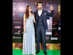 Iifa Awards 2018 Ranbir Kapoor Dia Mirza Kriti Sanon Varun Dhawan Walk The Green Carpet
