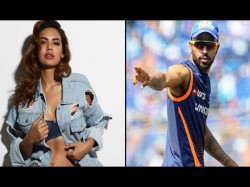 Hardik Pandya Esha Gupta S Love Story Going On Full Swing