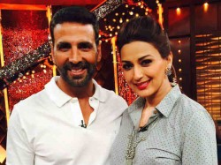 Akshay Kumar Rushes Meet Sonali Bendre After She Suffers High Grade Cancer