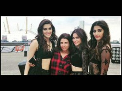 Housefull Akshay Kumar Kriti Sanon Shoot Their First Song With Farah Khan