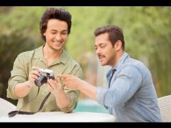 Ayush Sharma Gets Shirtless Tips From Salman Khan For Loveratri