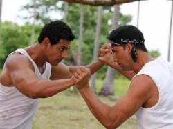 John Abraham Raw Will Clash With Akshay Kumar Kesari Know How