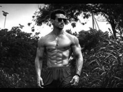 Tiger Shroff Shared Hot Picture Flaunting His Fantastic Body