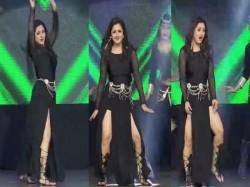 Rashami Desai Bold Dance Akshay Kumar Song