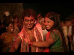 It S Hat Trick Nawazuddin Siddiqui Radhika Apte Romance On Screen
