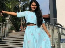 Me Too Sonal Vengurlekar Says Raja Bajaj Asked Her To Remove Hee Clothes