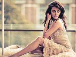Ex Bigg Boss Contestant Mandana Karimi Top Less Pic Viral