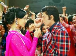Shahrukh Khan Deepika Padukone Film Om Shanti Om Clocks 11 Years Know Interesting Facts