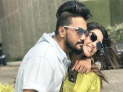 Bigg Boss Fame Hina Khan Again Goes Bold Boyfriend Rocky