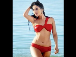 Sexy Actress In Red Bikini These Pictures Are Too Hot Handle