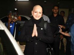 Sonali Bendre Return India After Undergoing Treatment Cancer In New York
