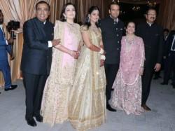 Isha Ambani Wedding Reception Pics Bollywood Celebrities Arrived